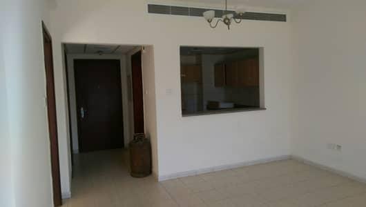 فلیٹ 1 غرفة نوم للبيع في المدينة العالمية، دبي - أفضل سعر شقة بغرفة نوم واحدة للبيع فقط 295000 مع شرفة