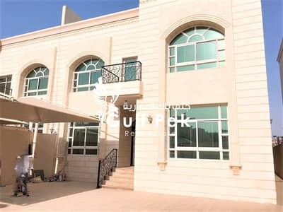 فیلا 8 غرف نوم للايجار في المرور، أبوظبي - فیلا في شارع المرور المرور 8 غرف 340000 درهم - 4717744