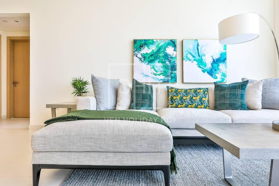 Elegant 1BR+Study Mada Residences Downtown