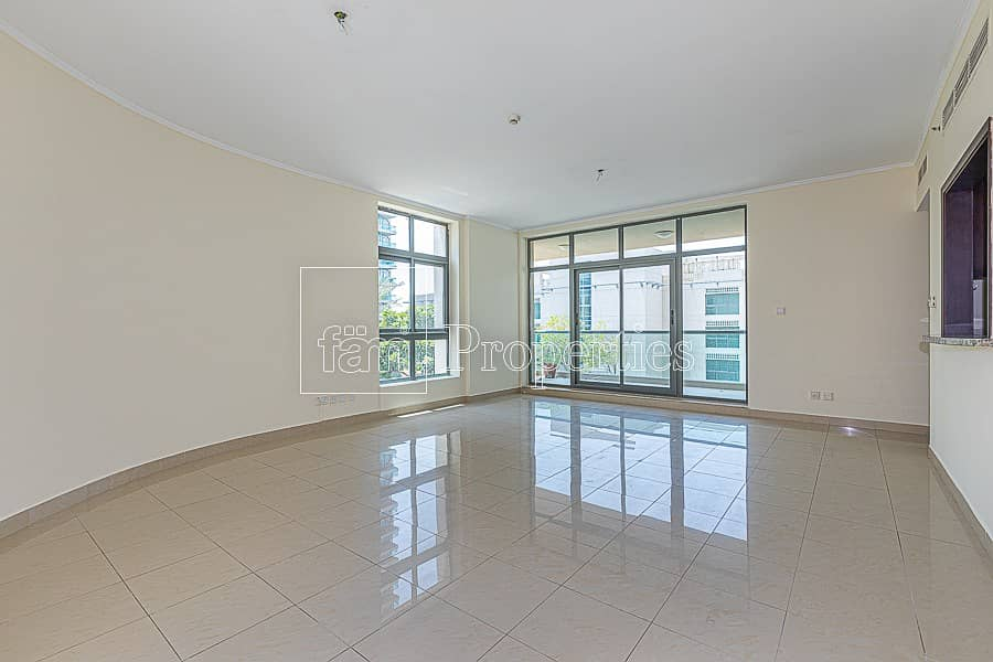 2 2br| large layout |pool view|no agents|