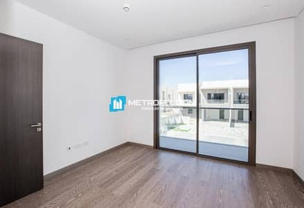 Ready To Move / Great Price / Villa with Golf View