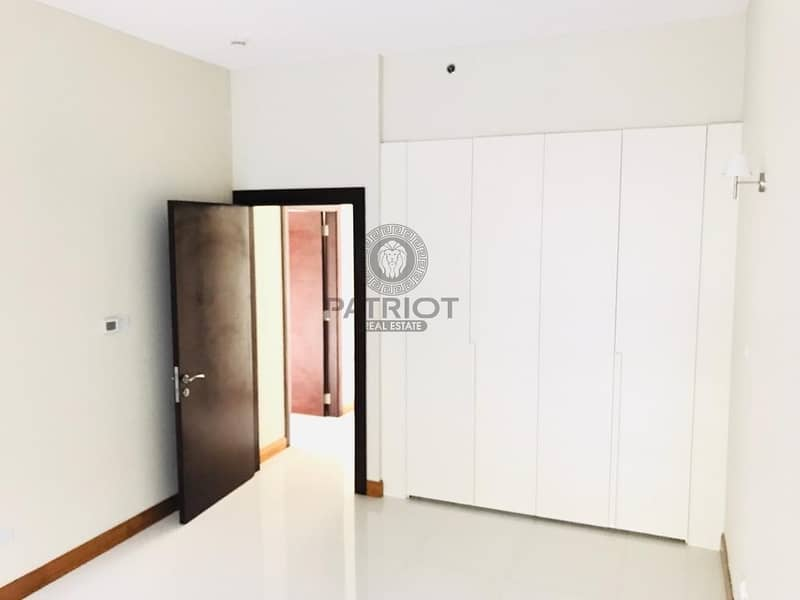 A Comfortable 1BHK Apartment with a Laundry Room I Check Now
