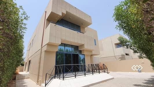 فيلا تجارية 4 غرف نوم للايجار في جميرا، دبي - Bright & Specious 4 Bedrooms commercial villa for Rent.