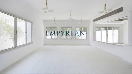5 Bedroom Villa for Rent in Umm Suqeim, Dubai - 30 DAYS FREE LAVISH  5 BEDROOM DUPLEX VILLA FACING JUMAIRA BEACH(4000SQFT) AVAILABLE IN 300K/6 CHEQUES