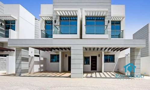 Spacious 4 Bed Villa Ready to Move in Jebel Ali