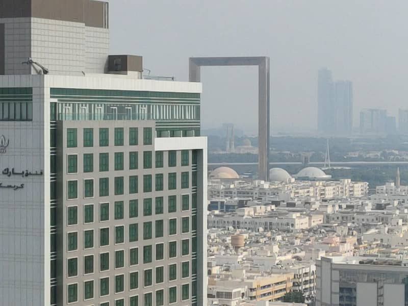 10 000AED in Burjuman Business tower