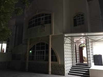 Very clean villa for rent in AL RAWDA 3 Close to the Mosque