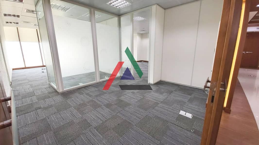2 Flexible layout for your office needs
