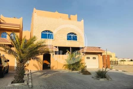 10 Bedroom Villa for Rent in Khalifa City A, Abu Dhabi - Huge and beautiful 10Bedroom villa in KCA