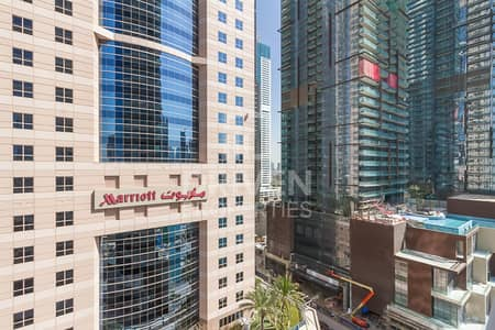 1 Bedroom Flat for Sale in Dubai Marina, Dubai - Elegant 1 Bed Apartment with Full Sea View