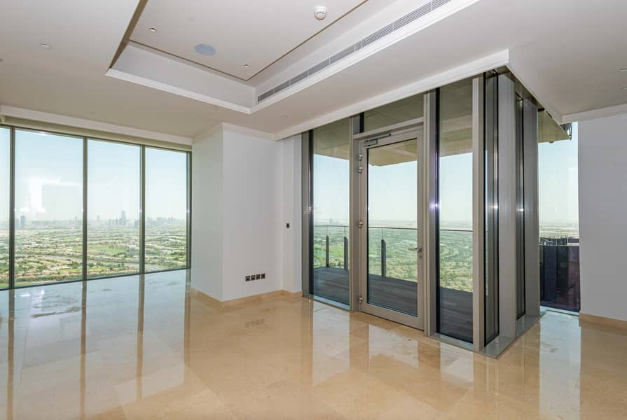 No Fee | Signature Floor | Family room |High Floor