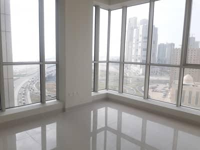 فلیٹ 3 غرف نوم للايجار في النهدة، الشارقة - شقة في برج صحارى 4 أبراج صحارى النهدة 3 غرف 65000 درهم - 4719919