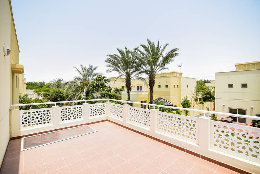 38 Exclusive | 5 Bed+maids | Ready To Move In Genuine