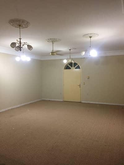 فیلا 5 غرف نوم للبيع في الرفاع، الشارقة - للبيع بيت واسع وتشطيب ممتاز 12000 قدم فى الرفاع الشارقة 1.65 مليون قابل للتفاوض