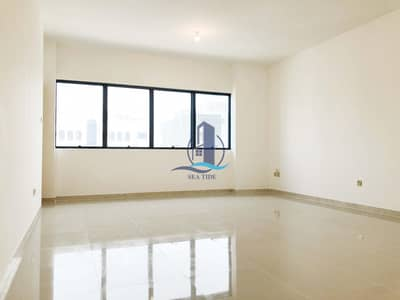 فلیٹ 3 غرف نوم للايجار في الخالدية، أبوظبي - Neat and Spacious Family Residence with Balcony near Invest Bank