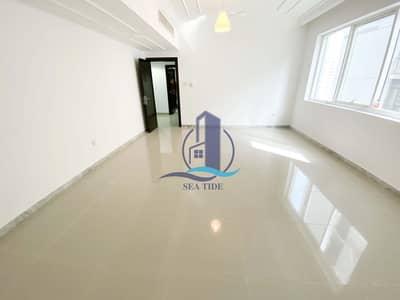 شقة 2 غرفة نوم للايجار في الخالدية، أبوظبي - Affordable and Well-maintained Family Residence