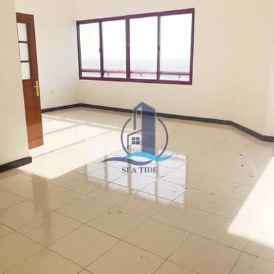 فلیٹ 3 غرف نوم للايجار في شارع المطار، أبوظبي - Hot Offer! Wonderful Apartment with Maid's Room and Balcony