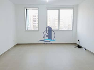 شقة 1 غرفة نوم للايجار في منطقة النادي السياحي، أبوظبي - Hot Deal! Affordable Large 1 Bed Apartment with 2 Baths