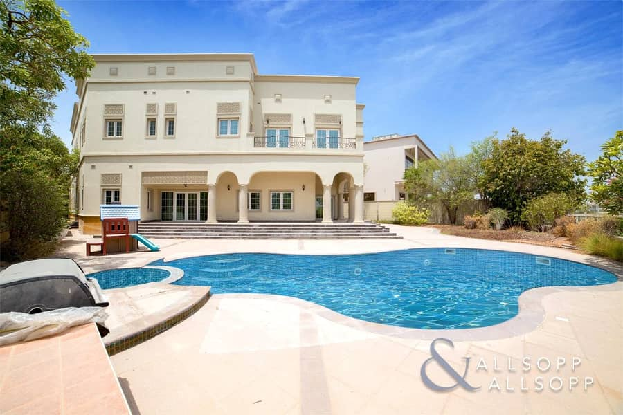 6 Bedrooms | Water Views | Available Now