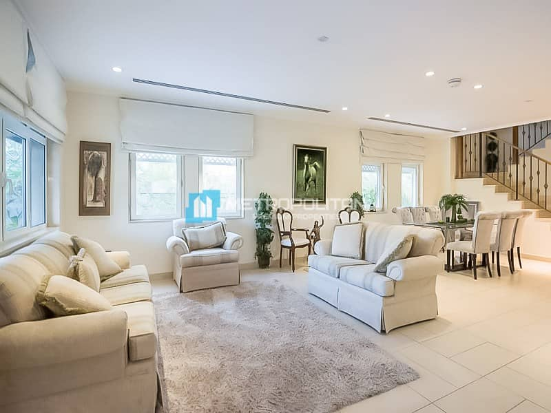 2 Great Condition | Regional 4 Beds | Private Pool