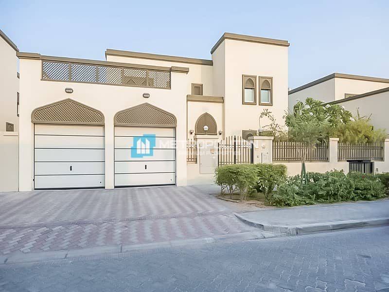 15 Great Condition | Regional 4 Beds | Private Pool