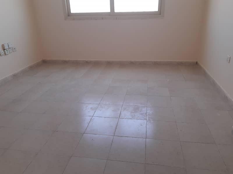 شقة في بوطينة 10000 درهم - 4722173