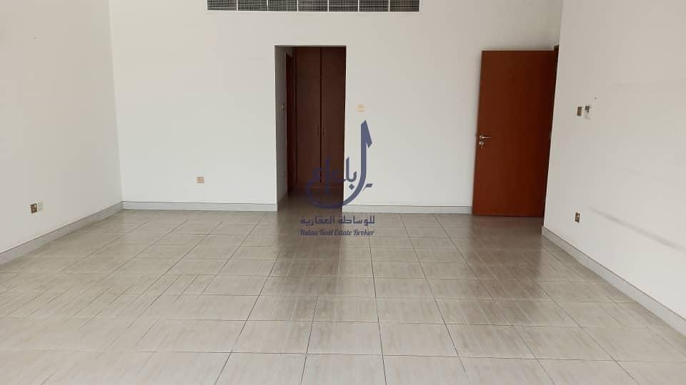 4 bed + Maids  villa   jumeirah 1