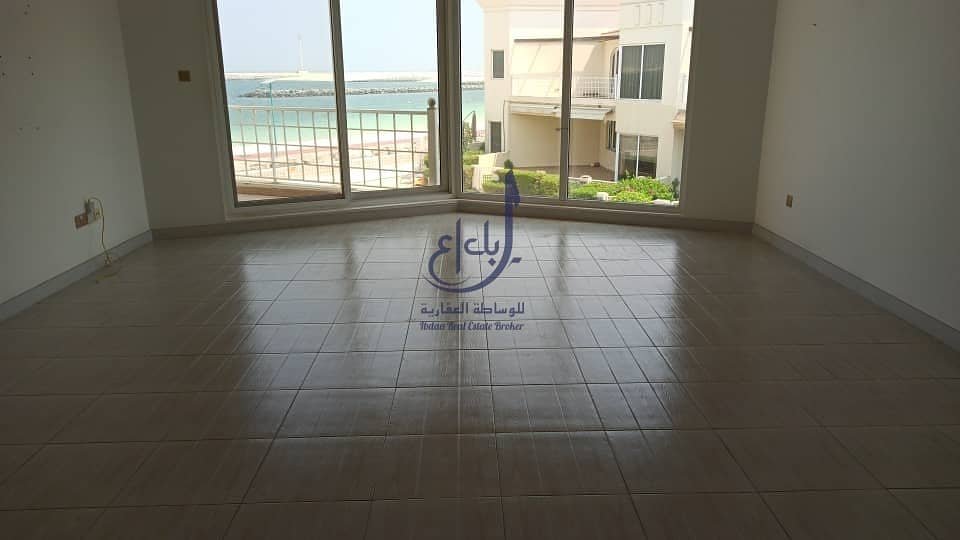 2 4 bed + Maids  villa   jumeirah 1