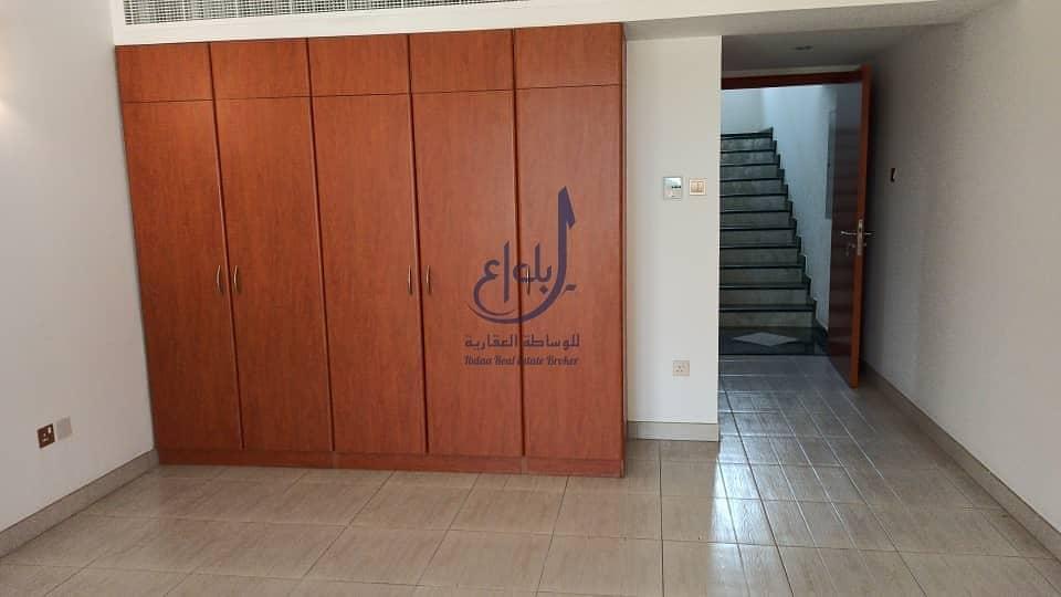 14 4 bed + Maids  villa   jumeirah 1