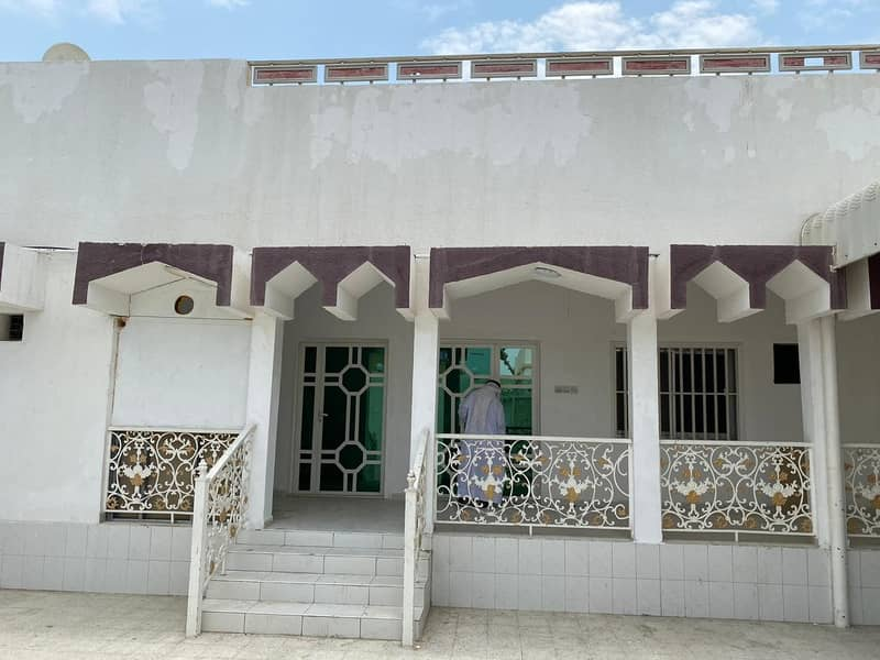 Great value: Spacious Six Bedroom Villa for Rent in Al Sabkha Sharjah