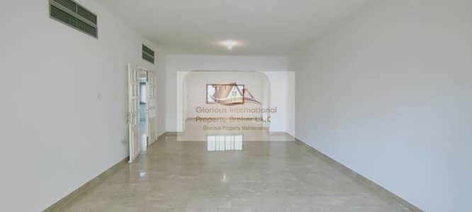 فیلا 4 غرف نوم للايجار في الخالدية، أبوظبي - Great Location! Amazing Price w/ Outside Garden