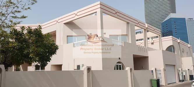 5 Bedroom Villa for Rent in Al Khalidiyah, Abu Dhabi - Big Garden+Large Living Area+Driver's RM