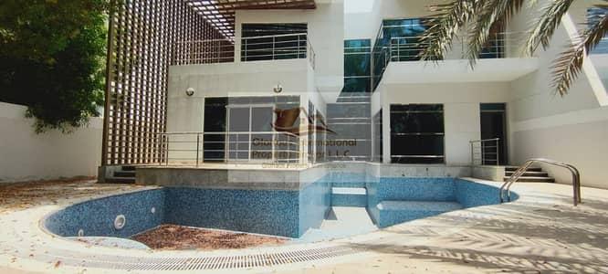 فیلا 4 غرف نوم للايجار في الخالدية، أبوظبي - Extra Ordinary w/ Swimming Pool and Lovely Garden