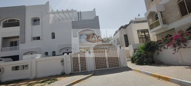 4 Bedroom Villa for Rent in Al Karamah, Abu Dhabi - Fully Renovated! High Quality with Balcony
