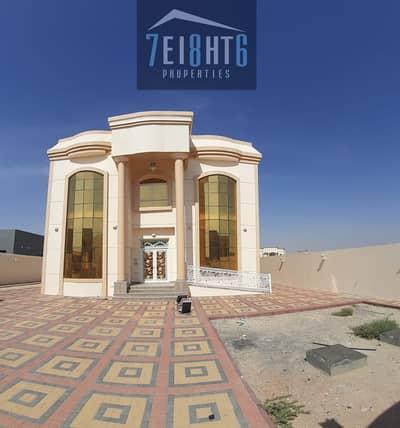 فیلا 4 غرف نوم للايجار في الخوانیج، دبي - Excellent quality: 4 b/r high quality well maintained independent villa + stunning garden