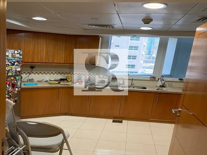16 Great Location  |  Fully Furnished  |  3BHK