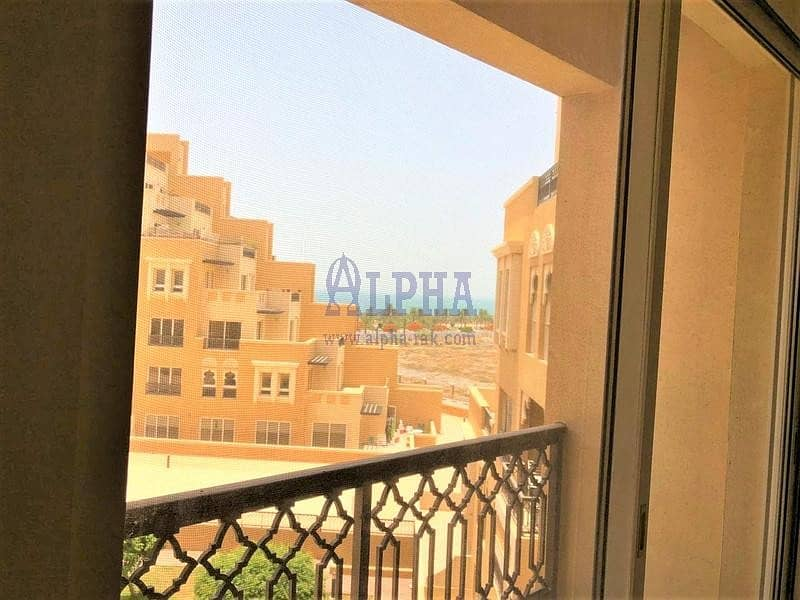 2 1 Month FREE! Garden View 1 Bedroom Unfurnished
