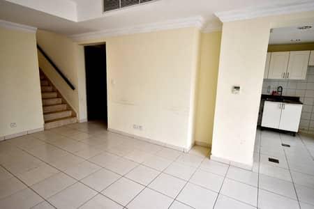 فیلا 3 غرف نوم للايجار في الينابيع، دبي - فیلا في الينابيع 14 الينابيع 3 غرف 104999 درهم - 4723255