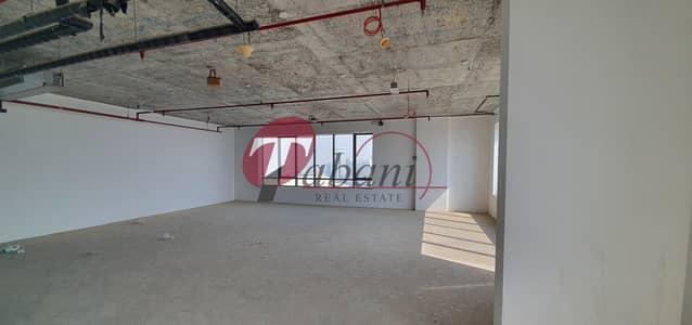 مکتب  للبيع في قرية جميرا الدائرية، دبي - Shell and Core office for sale on higher floor.