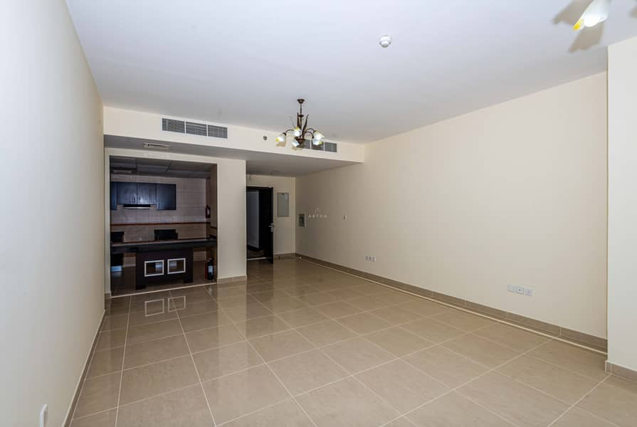 2 60 days Free|Bright Apartment | Easy access to SZR