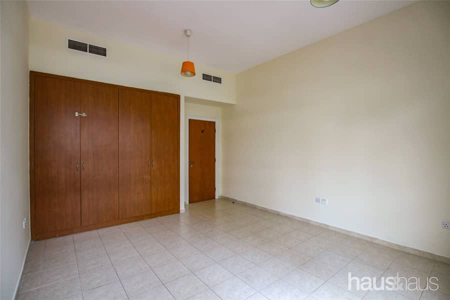 10 Vacant   2 Bedrooms   Spacious   1 Parking Space