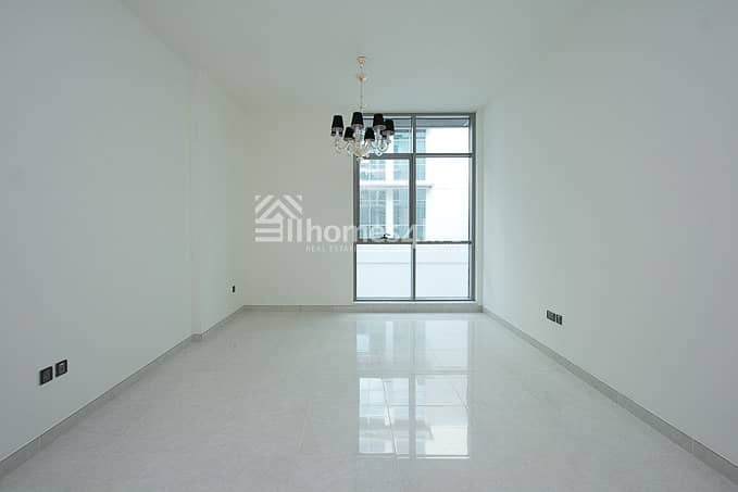 LARGE 1 BR WITH BALCONY |LOWER FLOOR IN POLO RESIDENCE