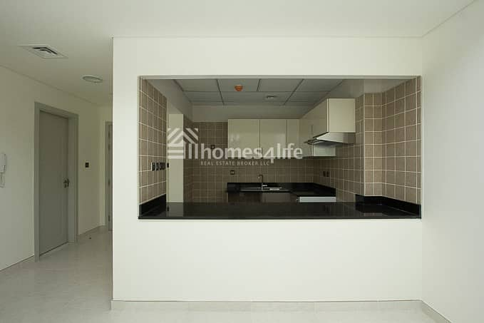 12 LARGE 1 BR WITH BALCONY |LOWER FLOOR IN POLO RESIDENCE