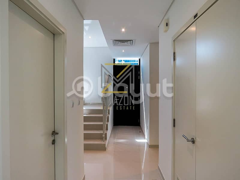 2 Ready to Move / Luxurious and Huge 4 Bedroom plus Maid Villa / - Trinity Damac Hills