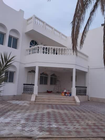 فیلا 8 غرف نوم للايجار في جميرا، دبي - فیلا في جميرا 2 جميرا 8 غرف 320000 درهم - 4723242