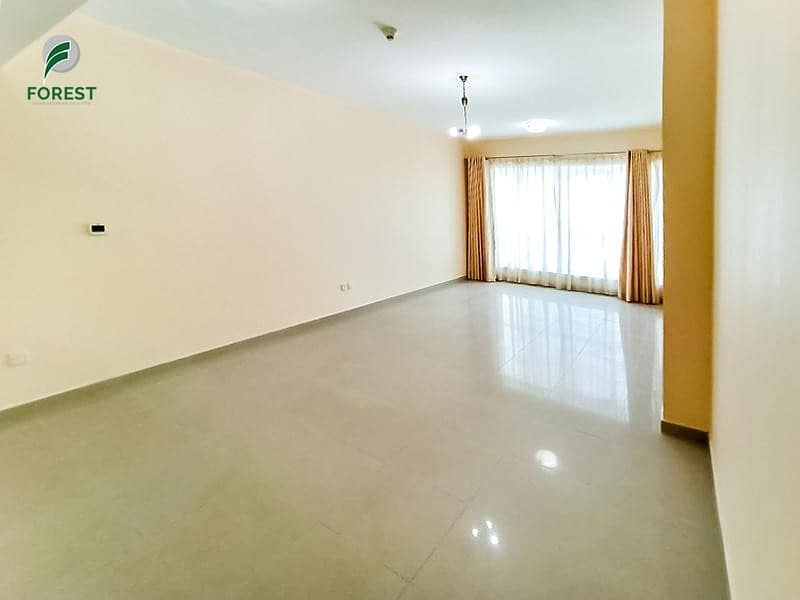 Best Priced Spacious 1 BR  Vacant on Transfer