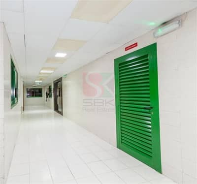 فلیٹ 2 غرفة نوم للايجار في الكرامة، دبي - Huge Size 2 BHK for staff accommodation  Near ADCB Metro Station Karama
