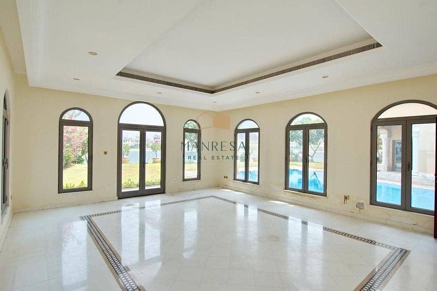 2 6 Bed Signature Villa | Central Pool View | VACANT