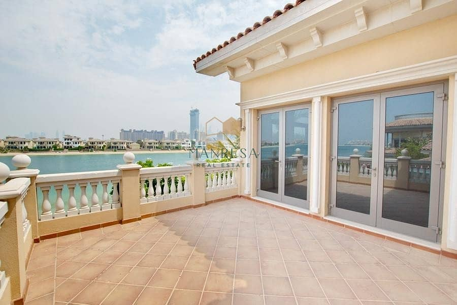 16 6 Bed Signature Villa | Central Pool View | VACANT