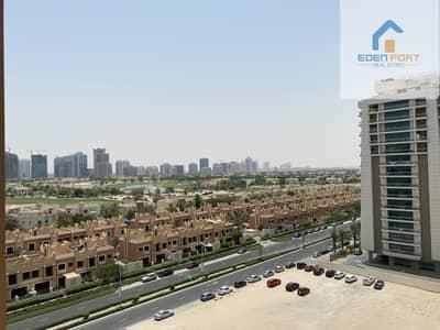 فلیٹ 1 غرفة نوم للايجار في مدينة دبي الرياضية، دبي - Huge Unfurnished  One Bedroom With Balcony